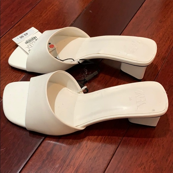 Zara thick heeled sandals NWT in white